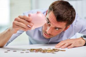 Quels sont les 3 banques sans conditions de revenus ?